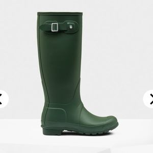 Hunter Tall Green Glossy Rain Boots Original